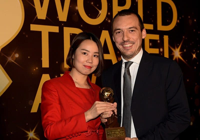 Trao tặng danh hiệu cho JW Marriott Phu Quoc Emerald Bay là khu nghỉ dưỡng tốt nhất Châu Á.