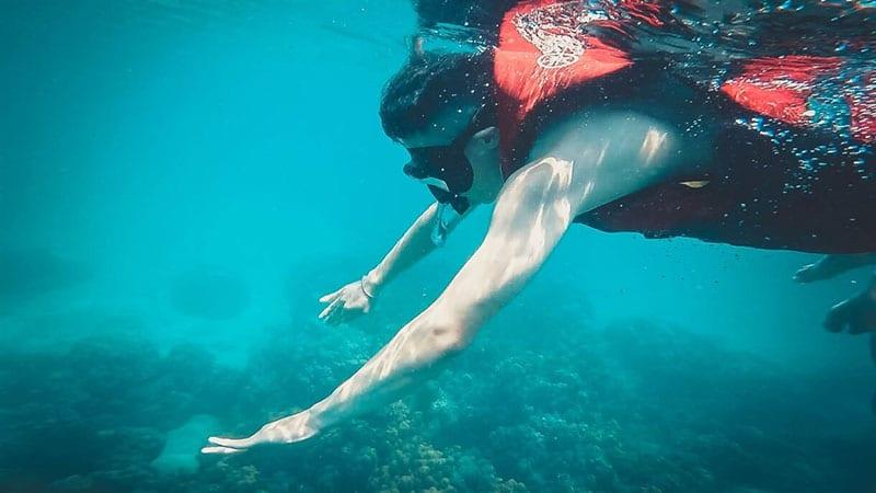 Hay tận hưởng một mùa hè đích thực với những trải nghiệm cực đã như kéo dù biển, lặn ngắm san hô, đi thuyền kayak…