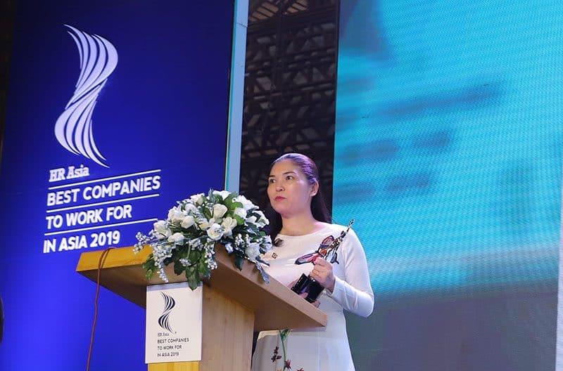 Bà Trần Thị Mỹ Hạnh - Phó TGĐ Tập đoàn Sun Group phát biểu tại Lễ trao giải