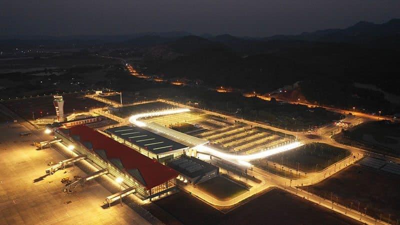 Dự kiến trong năm nay cảng hàng không quốc tế Vân Đồn sẽ khai thác thêm các đường bay quốc tế.