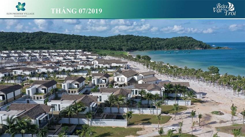 Một khu biệt thự nghỉ dưỡng phong cách làng chài ven biển đang ngày càng hoàn thiện.