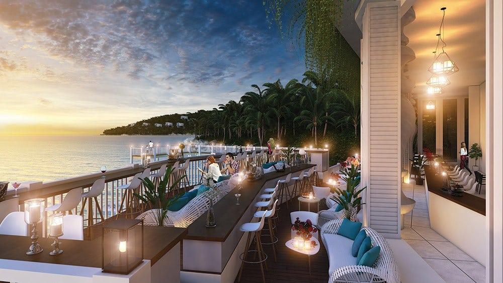 Thưởng thức ẩm thực đặc sắc ngay nhà hàng sang trọng nằm bên bờ biển.