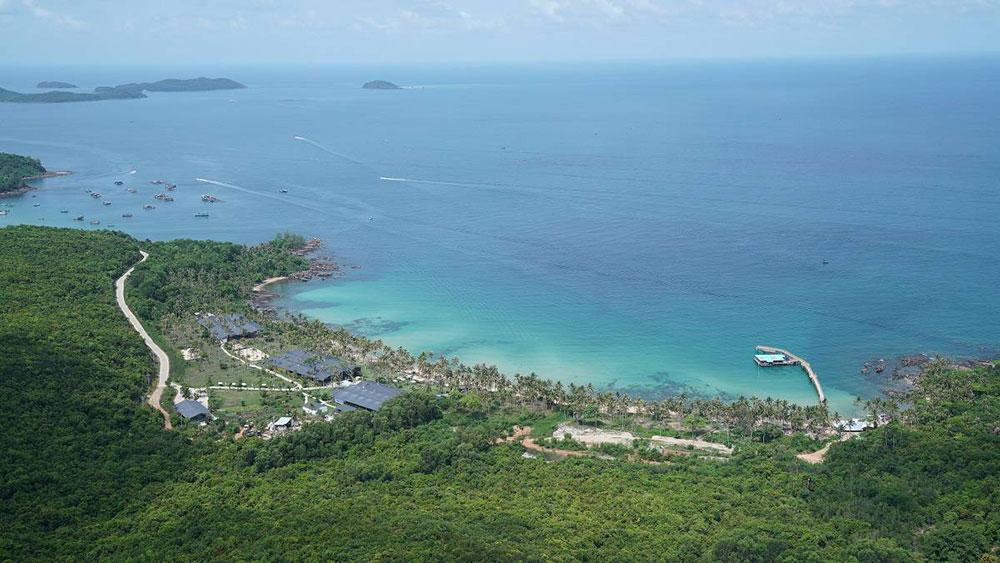 Hòn Thơm là một trong những hòn đảo có bãi biển đẹp bậc nhất Phú Quốc