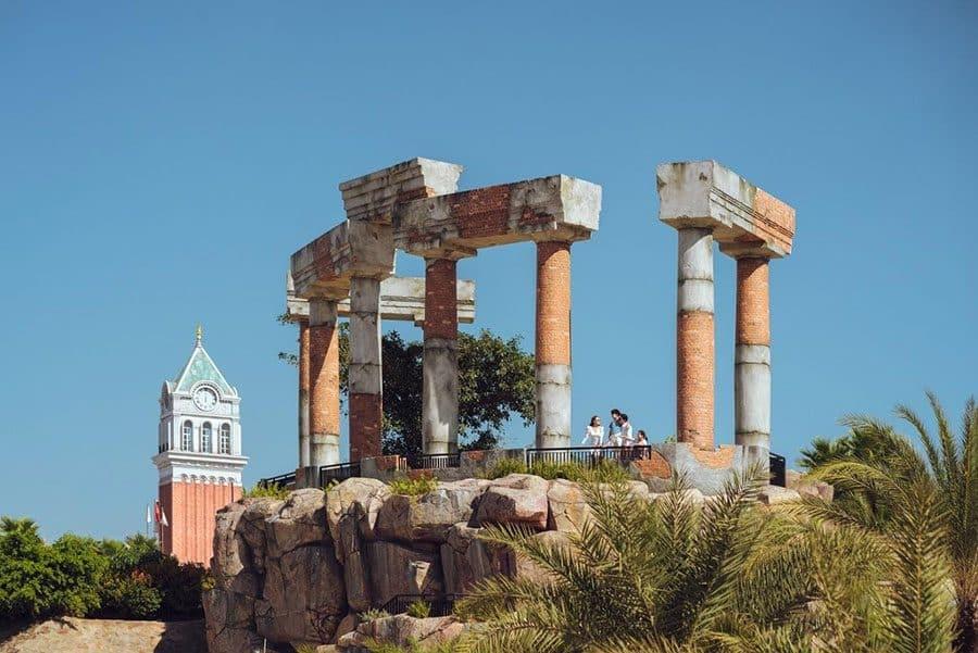 Ấn tượng với tàn tích Pompeii cổ kính.